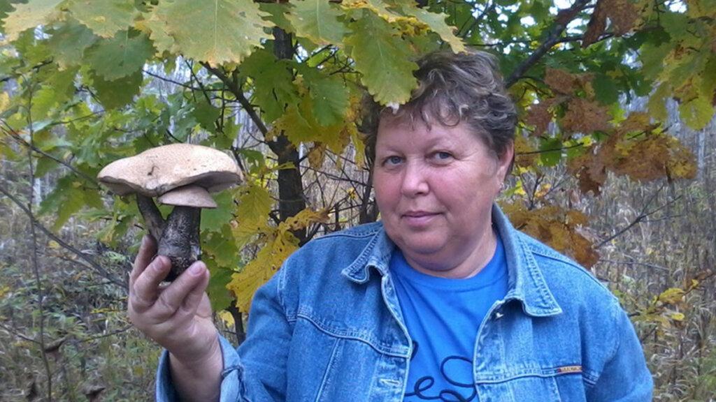 Оленька нашла гриб