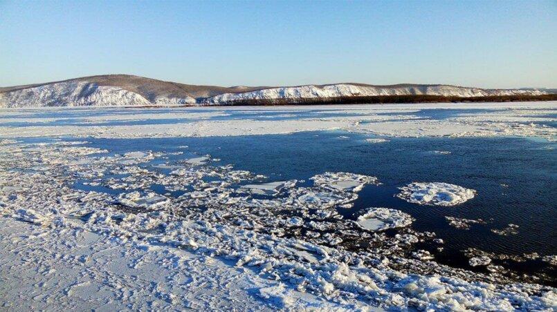 Вид с набережной зимой